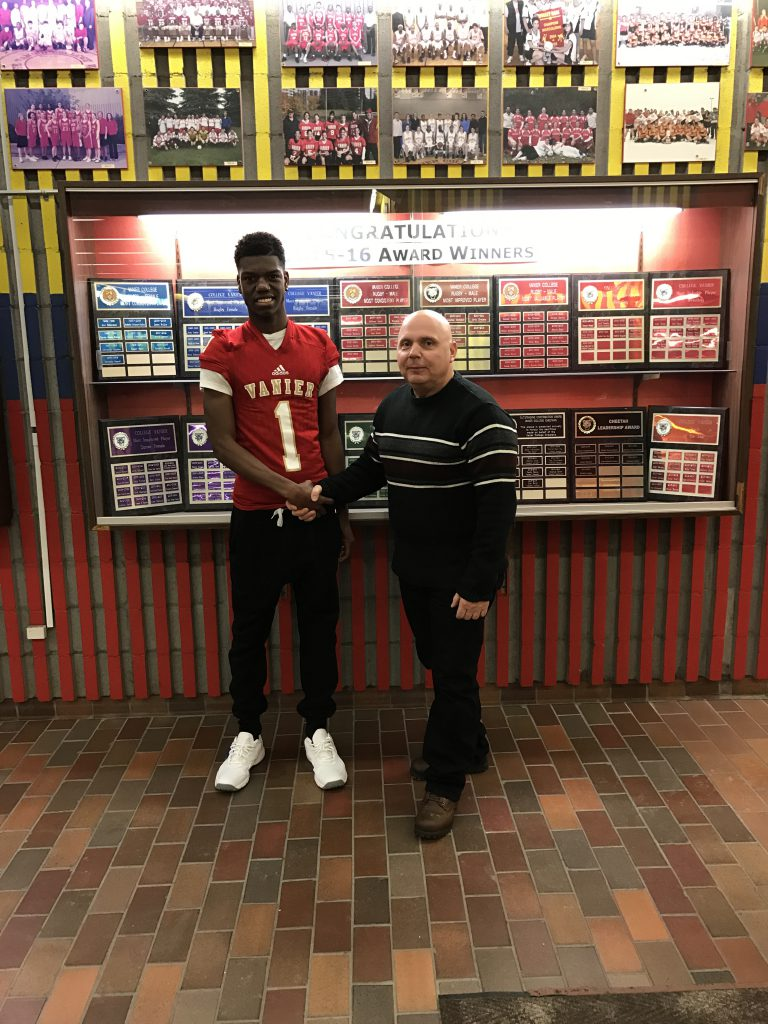 Jahsiah Pennicooke Sun Youth Hornets Vanier Football Recruits